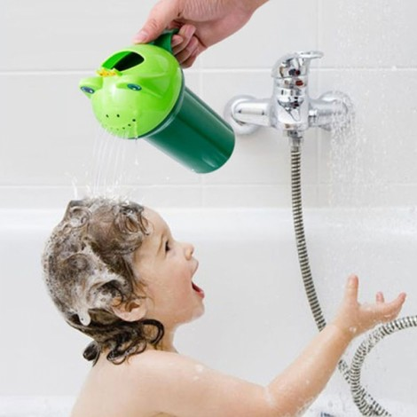 Cartoon Frog Shape Baby kid Shampoo Cup Children Bathing Baby Shower Spoon Child Wash Cup Green