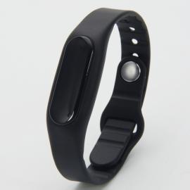 E06 Bluetooth Smart Sports Bracelet with Pedometer / Sleep Monitor / Call Notification / Anti-lost Black