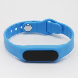 E06 Bluetooth Smart Sports Bracelet with Pedometer / Sleep Monitor / Call Notification / Anti-lost Blue