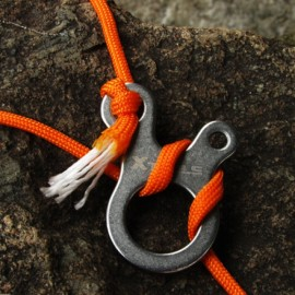 3-Hole Multi-function Outdoor Equipment Fast Knot Rope Buckle Tent Rope Buckle Traction Rope Carabiner