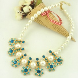Flower Design Rhinestone Encrusted Alloy Imitation Pearl Female Necklace Sky Blue